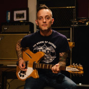 "DAVE HAUSE ""Kick"" (Rise Records, 2019)"