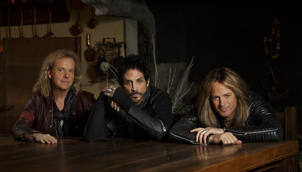 REVOLUTION SAINTS «Rise» (Frontiers Music, 2020)