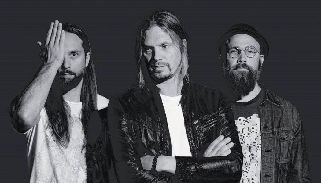 VON HERTZEN BROTHERS «War Is Over» (Music Theories Recordings / Mascot Label Group, 2017)
