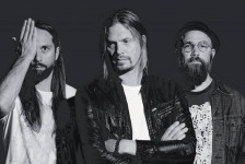 "VON HERTZEN BROTHERS ""War Is Over"" (Music Theories Recordings / Mascot Label Group, 2017)"