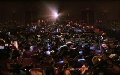Cuando las estrellas se concilian: el placer de disfrutar de una película.